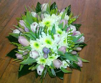 Frézie a tulipány